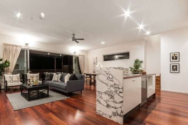 60 Gladstone St, Indooroopilly QLD 4068