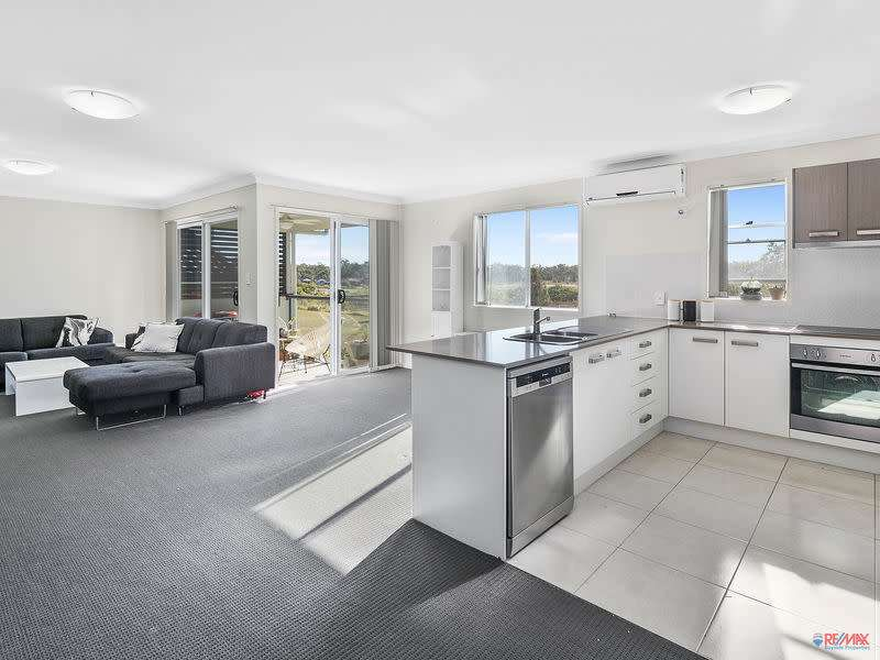 Main view of Homely townhouse listing, Unit 4 184 Thorneside Road, Thorneside, QLD 4158