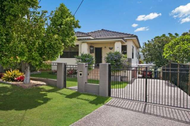 16 Brisbane Water Road, Adamstown NSW 2289