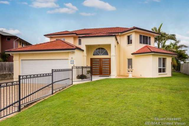 11 Sumner Place, Carindale QLD 4152
