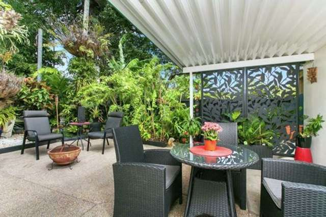 1/1-9 Joan Street, Bungalow QLD 4870