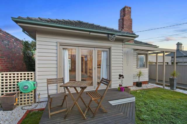 403 Howitt Street, Soldiers Hill VIC 3350