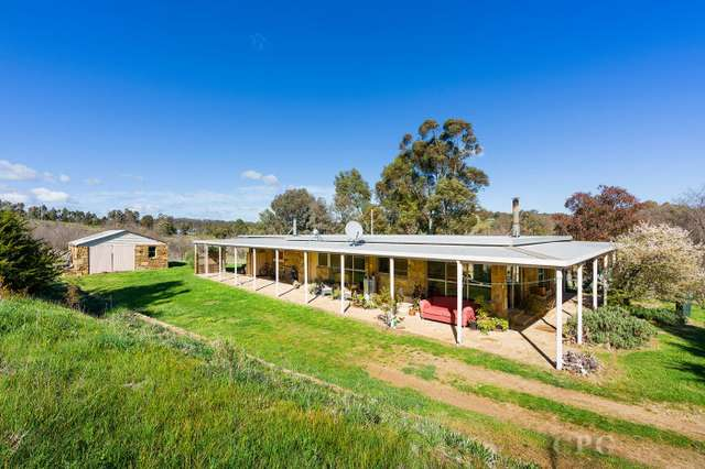 7164 Midland Highway, Guildford VIC 3451