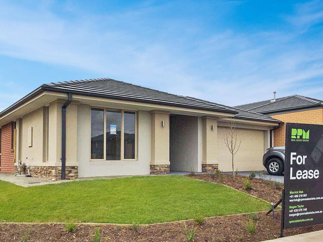 Main view of Homely house listing, 182 Wheelers Park Drive, Cranbourne North, VIC 3977