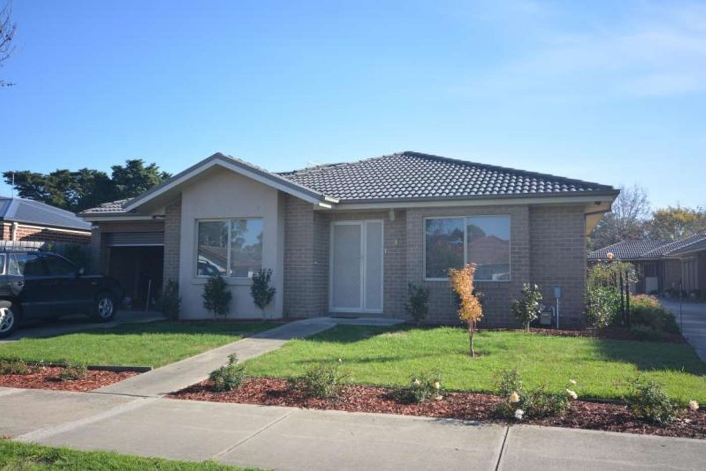 Main view of Homely townhouse listing, 1/27 Rogers Street, Pakenham VIC 3810