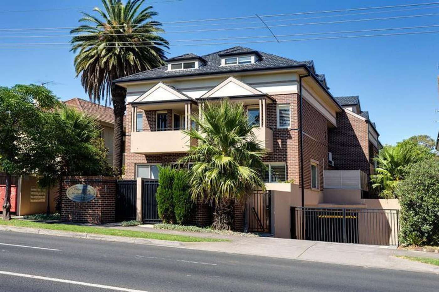 Main view of Homely townhouse listing, 10/164 Barkers Road, Hawthorn VIC 3122
