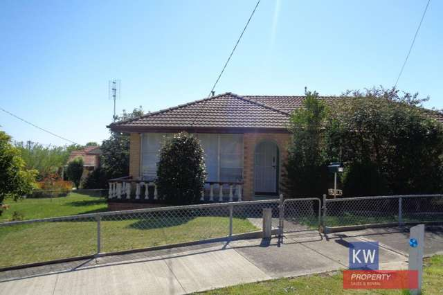 17 Heesom Crescent South, Churchill VIC 3842