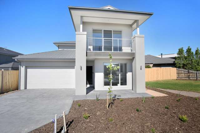 3 Lucinda Lane, Cranbourne North VIC 3977