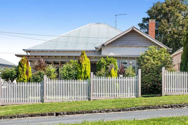 7 Howard Street, Soldiers Hill VIC 3350