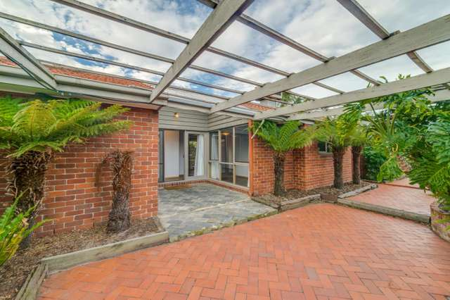 14 Pinewood Drive, Carrum Downs VIC 3201