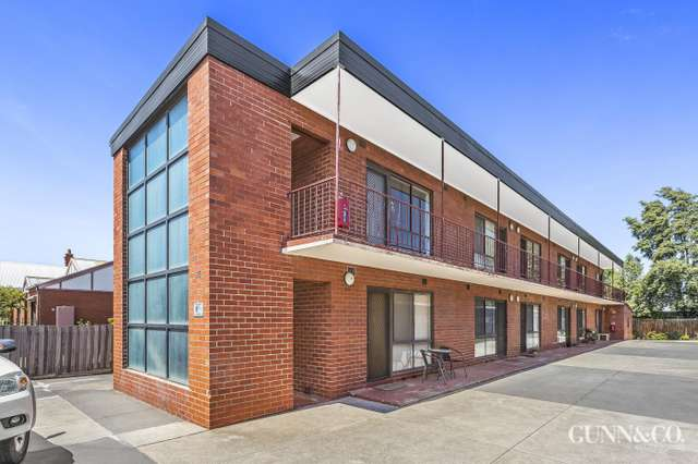 2/95 Melbourne Road, Williamstown VIC 3016