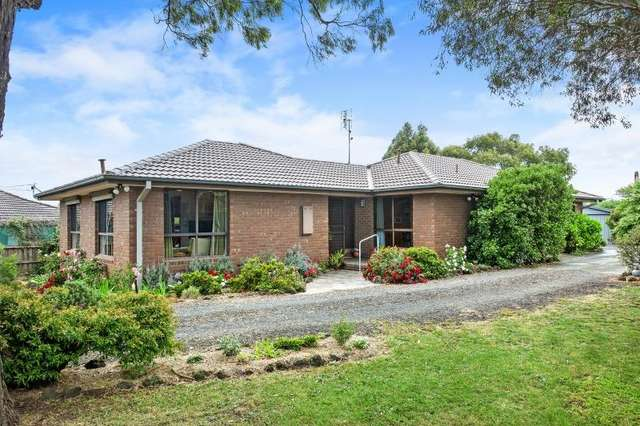 9 Tinworth Avenue, Mount Clear VIC 3350