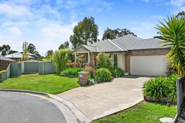 6 Henfield Close, Ballarat East VIC 3350