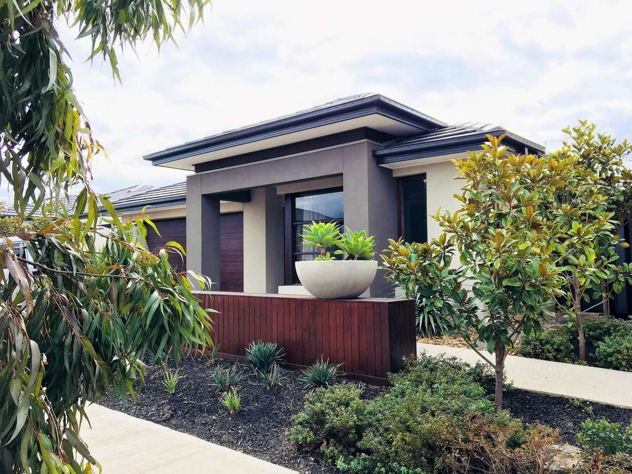 Main view of Homely house listing, 14 Whitfield Crescent, Craigieburn, VIC 3064