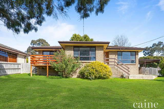 19 The Gums, Mount Clear VIC 3350