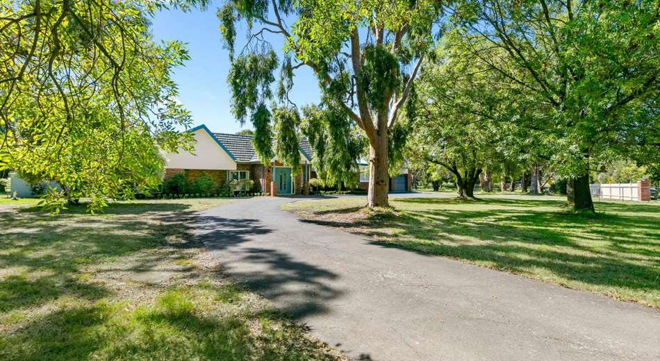 111 Oakbank Road, Mount Eliza VIC 3930