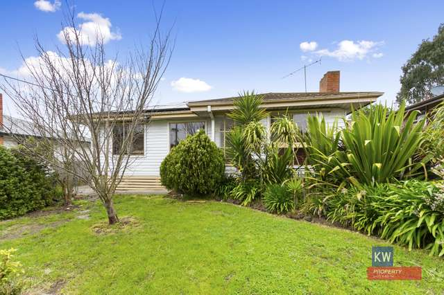 30 Churchill Rd, Morwell VIC 3840