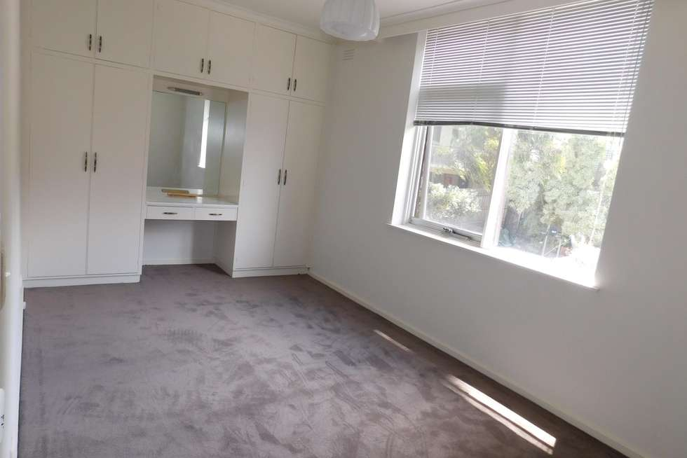 Third view of Homely apartment listing, 5/16 Charnwood Crescent, St Kilda VIC 3182