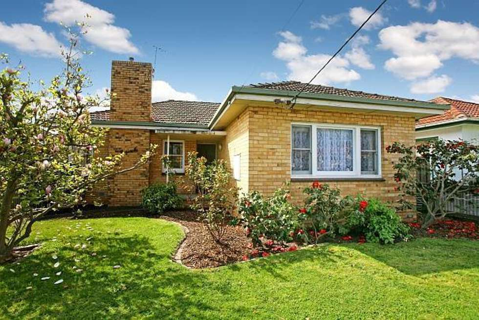 Second view of Homely house listing, 31 Renown Street, Bentleigh VIC 3204