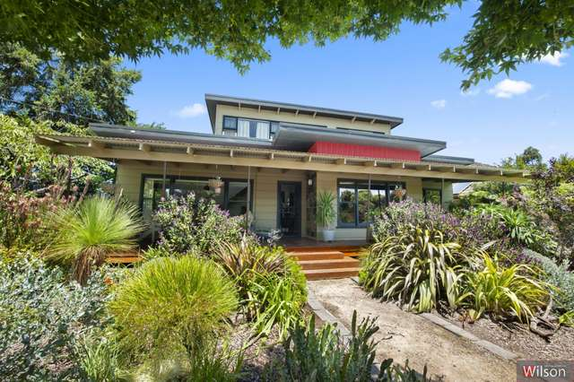 8 Melbourne Road, Brown Hill VIC 3350