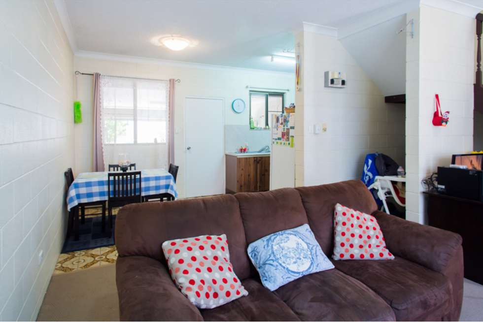 Fifth view of Homely flat listing, 2/16 Cowley Street, West End QLD 4810