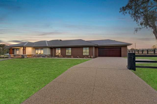 2 Stockmans Drive, Mansfield VIC 3722