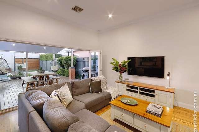 16 Thorne Street, Wagga Wagga NSW 2650