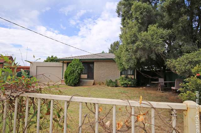 4 Smithies Place, Ashmont NSW 2650