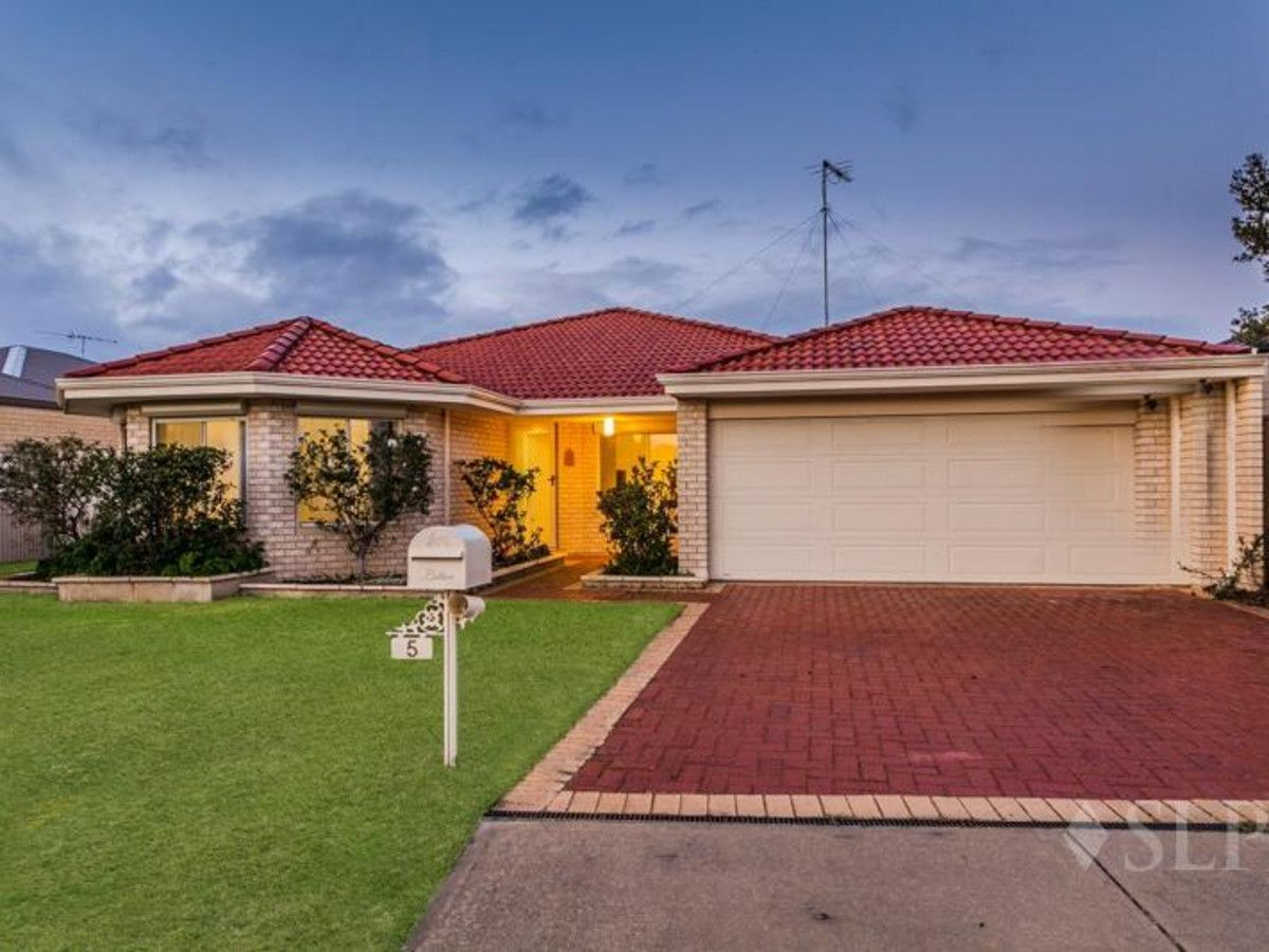 5 Heathcote Way