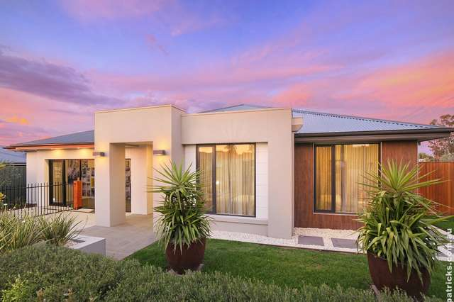 1 Mangrove Crescent, Forest Hill NSW 2651
