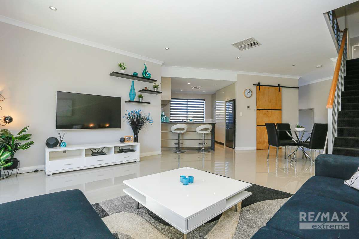 Main view of Homely townhouse listing, 5 Pollock Way, Clarkson, WA 6030