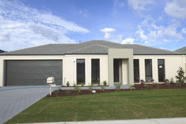 3 Blue Road, Canning Vale WA 6155