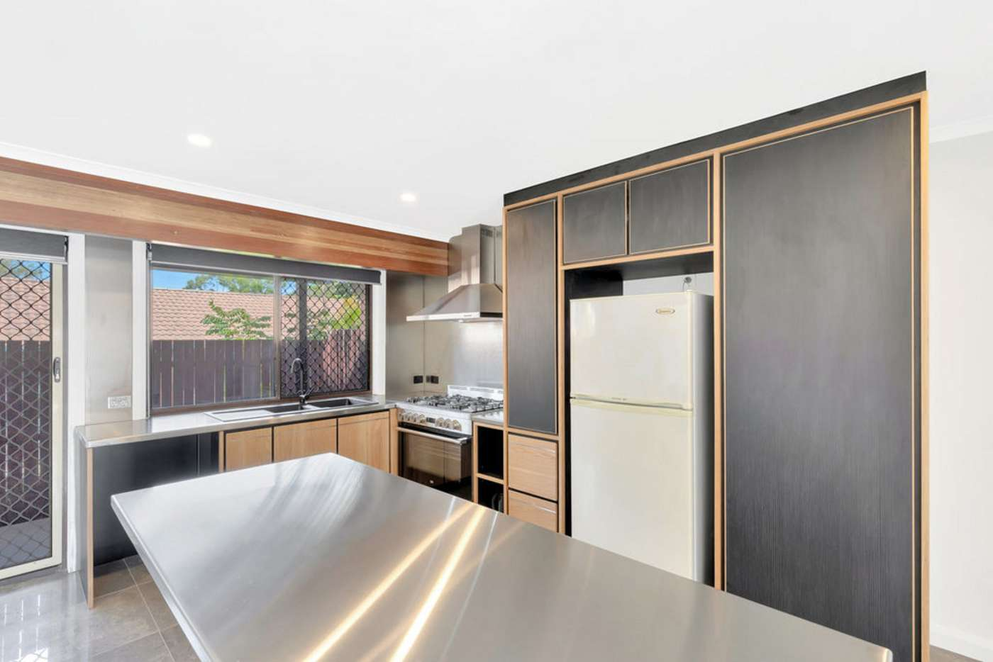 Fifth view of Homely semiDetached listing, 2/47 Alexander Drive, Highland Park QLD 4211