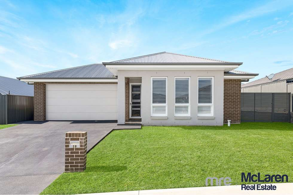 19 Golden Wattle Avenue