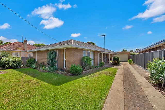 19 Valentine Crescent, Sale VIC 3850