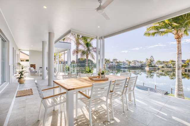 16 Staysail Crescent, Clear Island Waters QLD 4226
