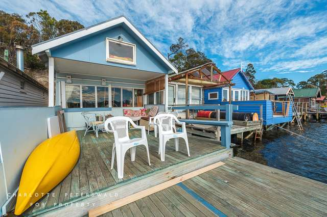 6 Boatshed Cornelian Bay, New Town TAS 7008