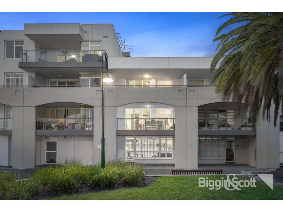 Main view of Homely house listing, 4/105 Beach Street, Port Melbourne, VIC 3207