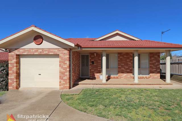 2/22 Lachlan Place, Tatton NSW 2650