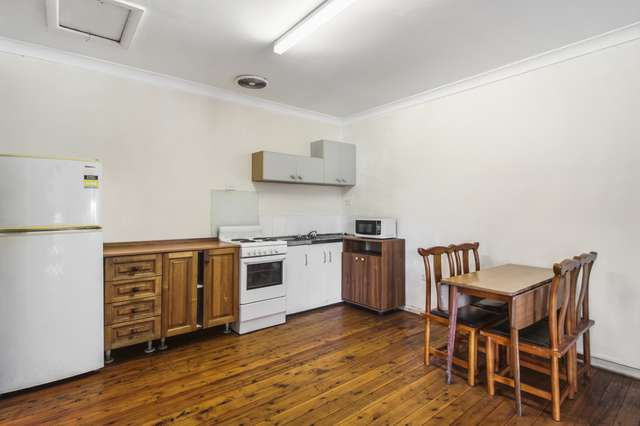 3/2 College Place
