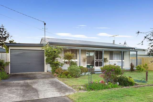 41 Mouchemore Avenue, St Leonards VIC 3223