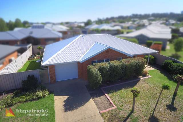 2/8 Wellington Avenue, Tatton NSW 2650
