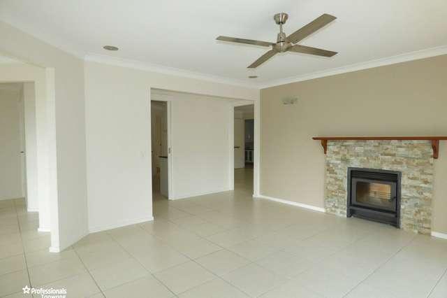 42 Hakea Crescent, Chapel Hill QLD 4069