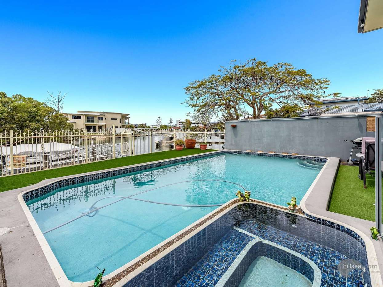 Main view of Homely semidetached listing, 1/5 Perry Place, Biggera Waters, QLD 4216