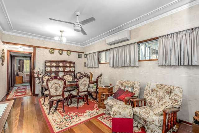 11 Chigwell Street, Wavell Heights QLD 4012