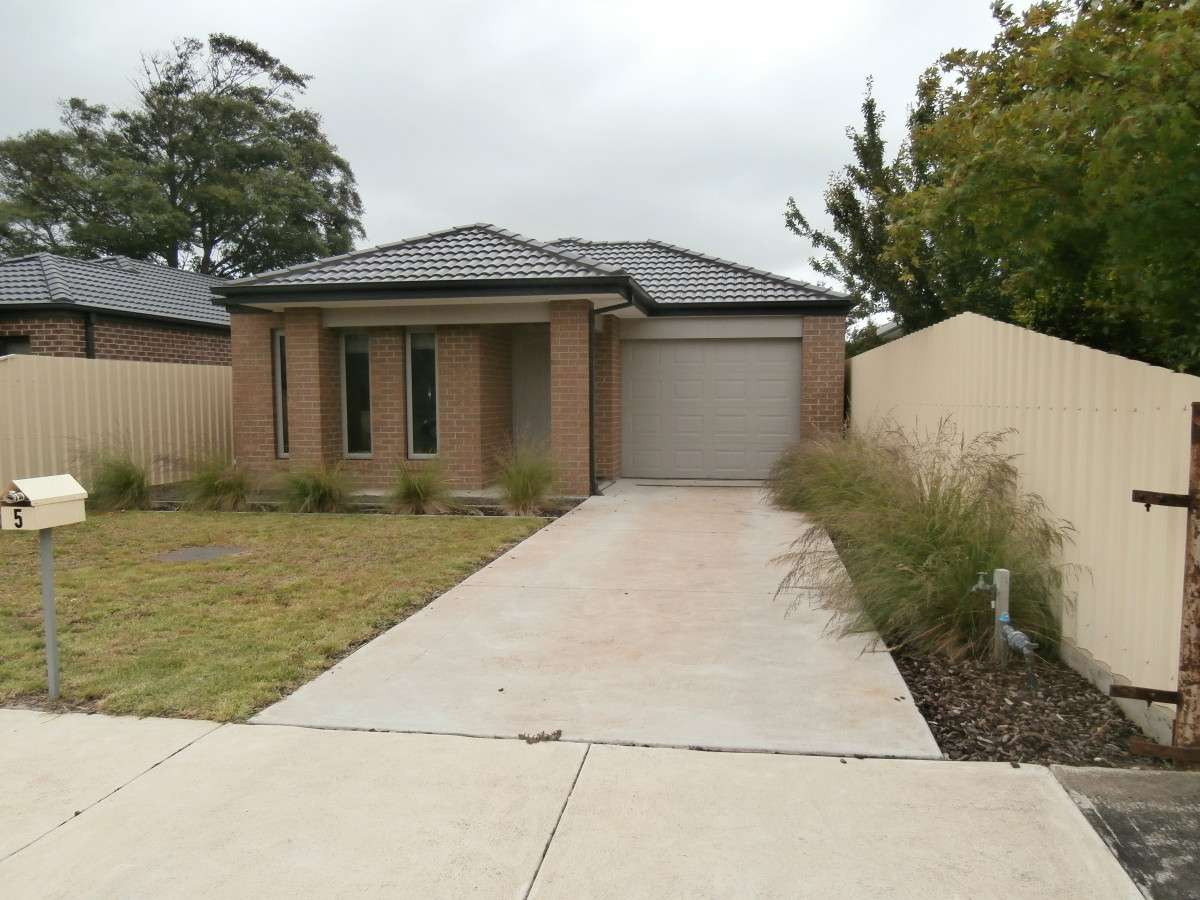 Main view of Homely house listing, 5 Parker Avenue, Colac, VIC 3250