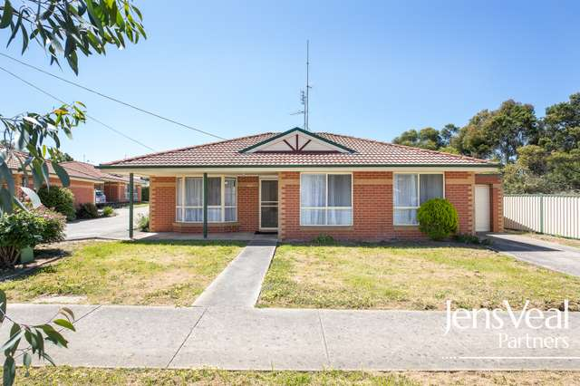 10/5 Hocking Avenue, Mount Clear VIC 3350