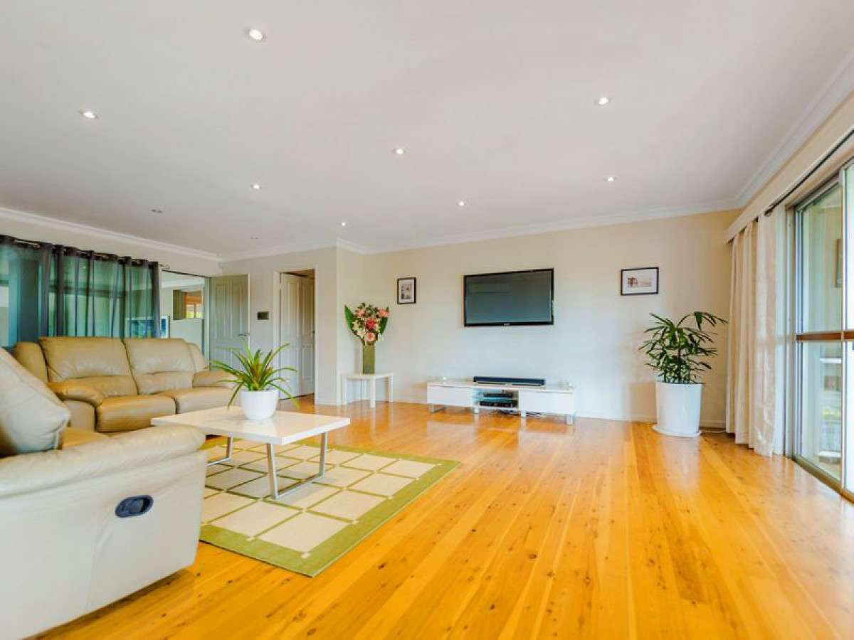 Main view of Homely house listing, 86 Gibraltar Drive, Isle Of Capri, QLD 4217