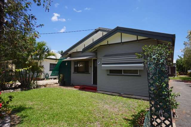 33 Robins Street, Mareeba QLD 4880