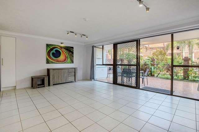 2/20 Commodore Drive, Paradise Waters QLD 4217